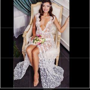 Daria Karlozi Wedding Robe